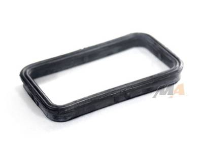 Merchant Automotive - 01+ DURAMAX OIL COOLER TO REAR COVER